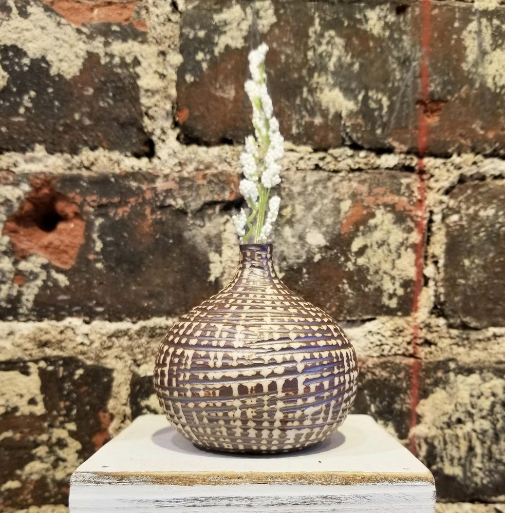 Image of Brown Small Congo Vase (Pick up only)