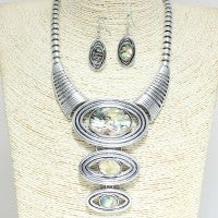 Image of Shades Of Beauty 3pcs Set with Matching Earrings (Online Only)