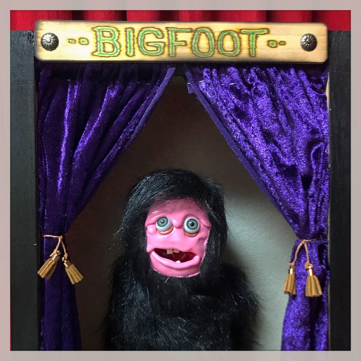 BIGFOOT! Sideshow Display.