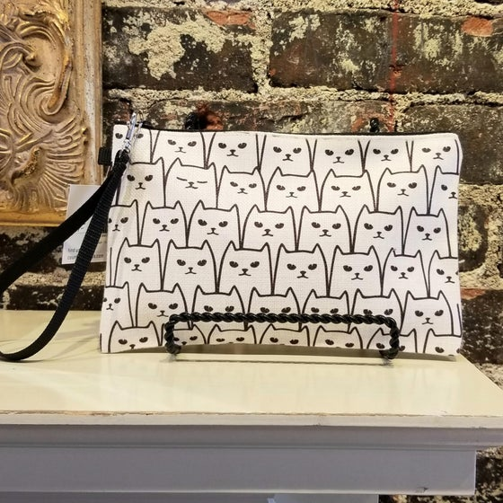 Image of Kitty Clutch