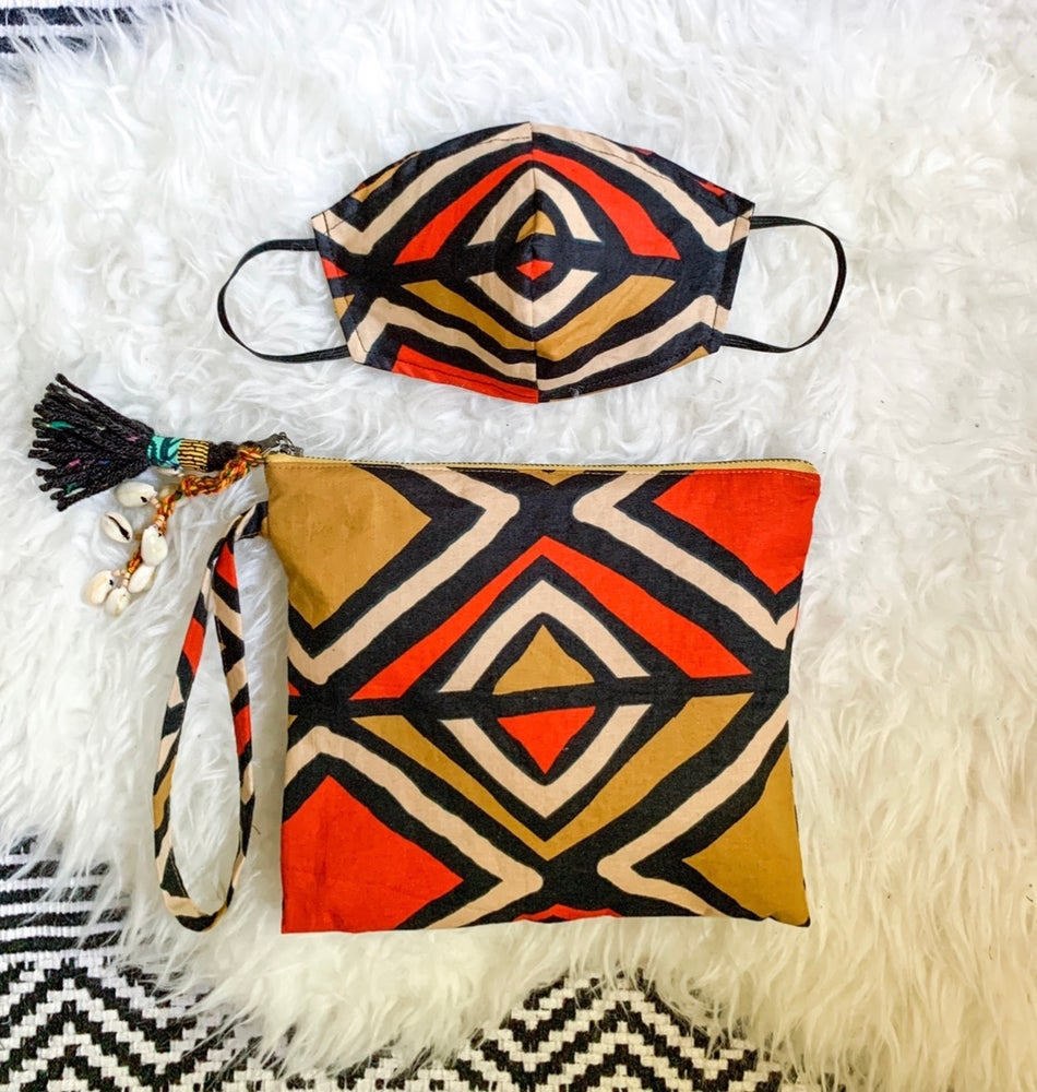 Image of  •rú rú• clutch