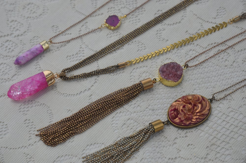 Image of druzy agate with tassel pendant - pink