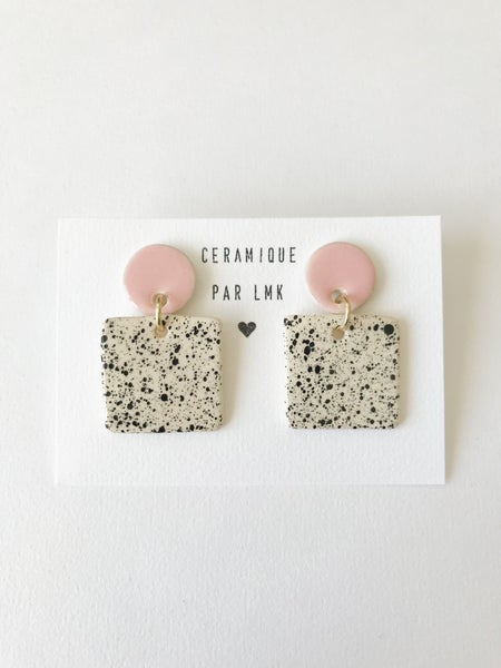 Image of Paire de boucles d'oreilles céramique CARRÉ rose et splash noir