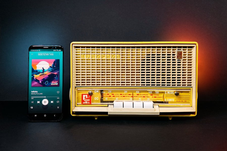 Image of EUROPHON RC59 YELLOW (1959) RADIO VINTAGE BLUETOOTH