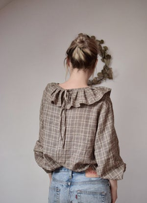 Image of MATILDA Linen Ruffled Collar Blouse