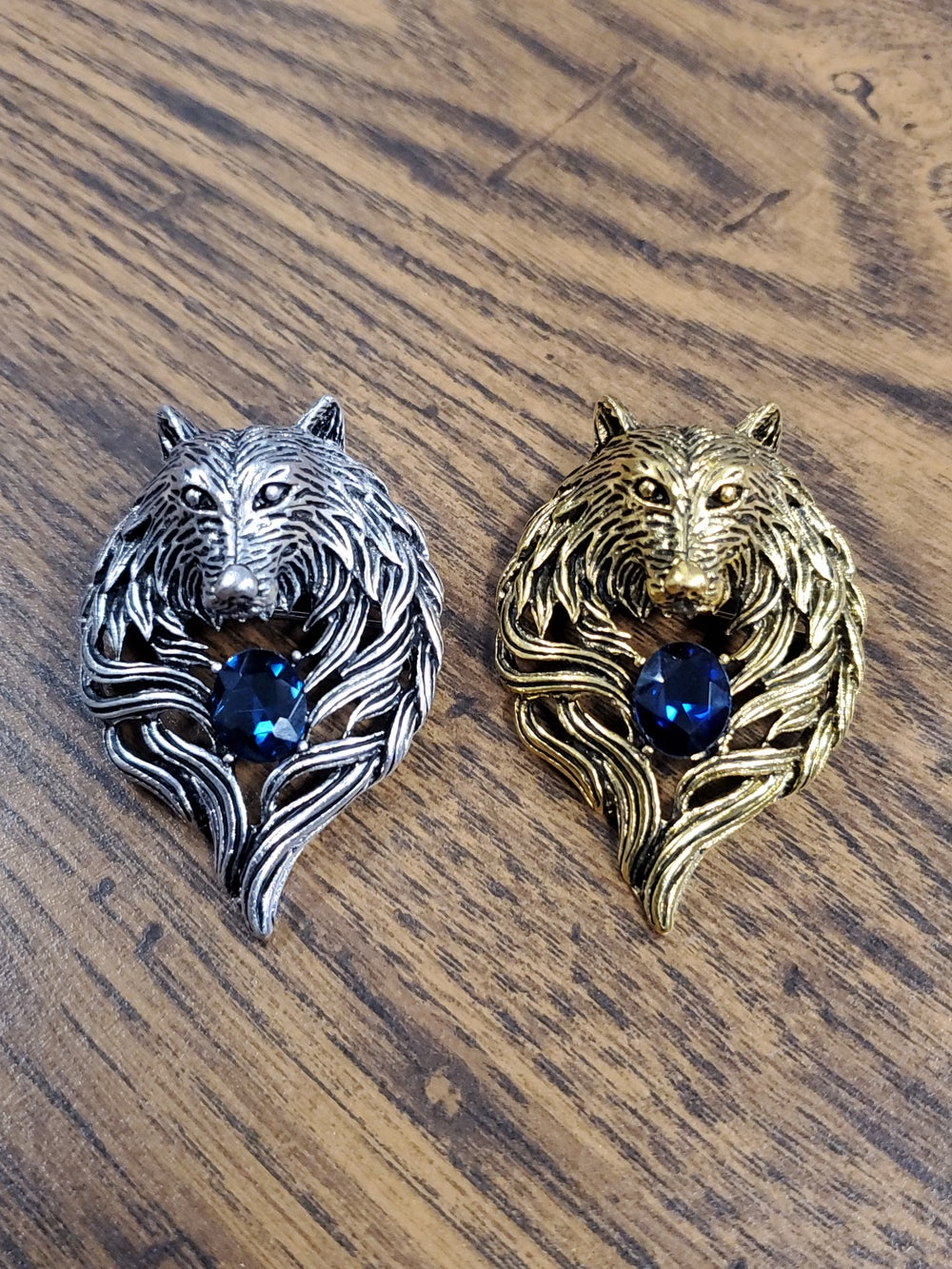 Image of WOLF ME BROOCH
