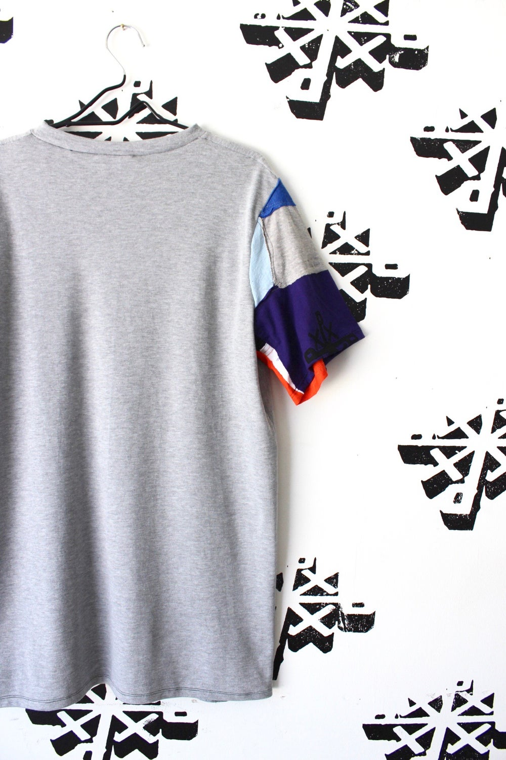keep it simple but not simple cut and sew tee in gray