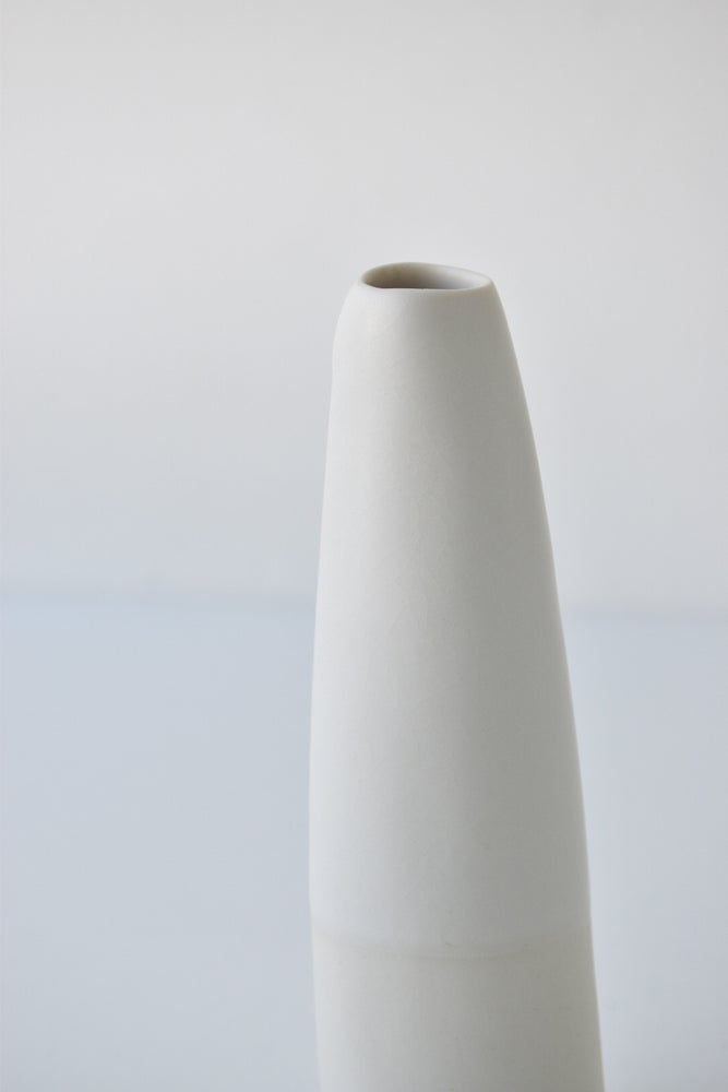 Image of TABLE VASE #2