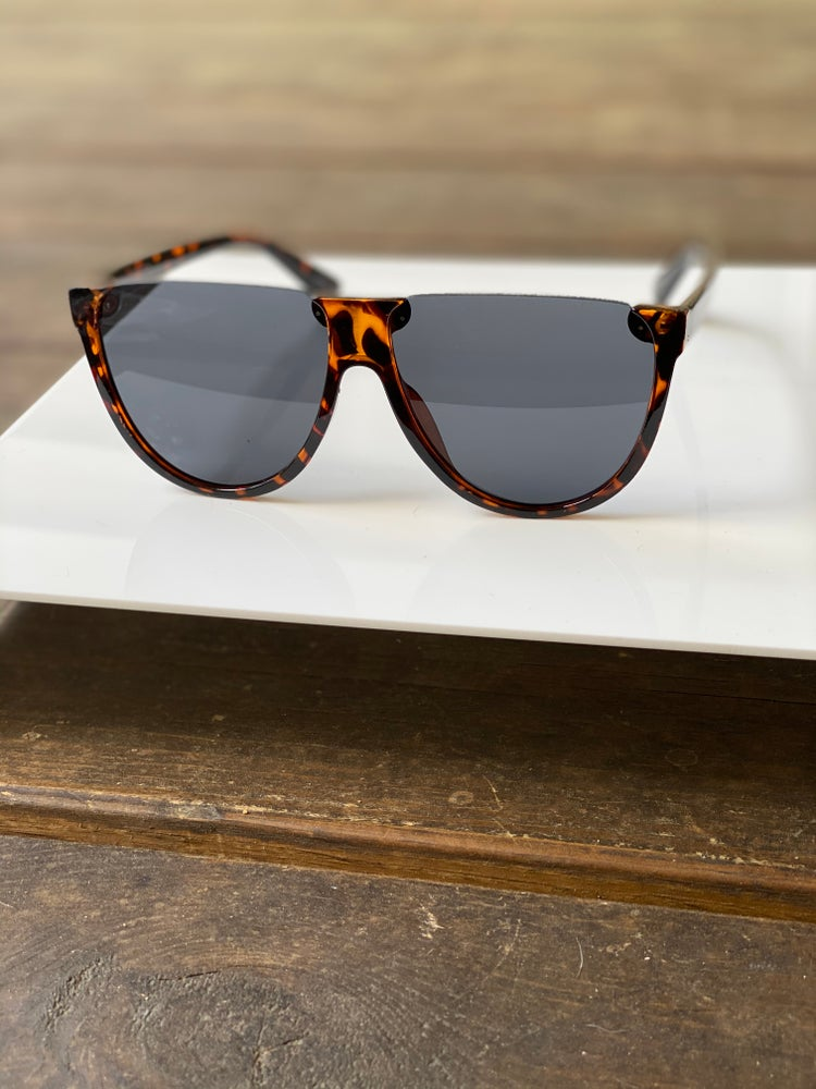 Image of Unisex Flat Top Shades