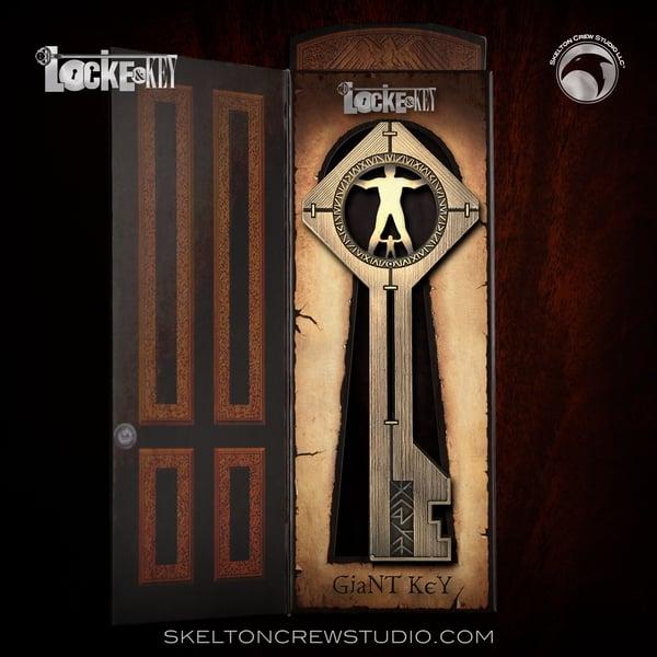 Image of Locke & Key: Giant Key!