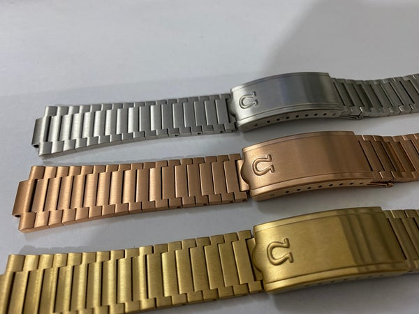 Image of BEAUTIFUL OMEGA GENTS WATCH STRAP,STAINLESS STEEL,3 X COLORS.