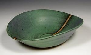 Green matt bowl (e030)