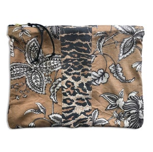 Image of FLORA & FAUNA POUCH