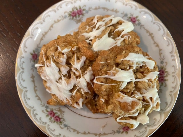 Image of Apricot and Oatmeal Cookies - 1 dozen
