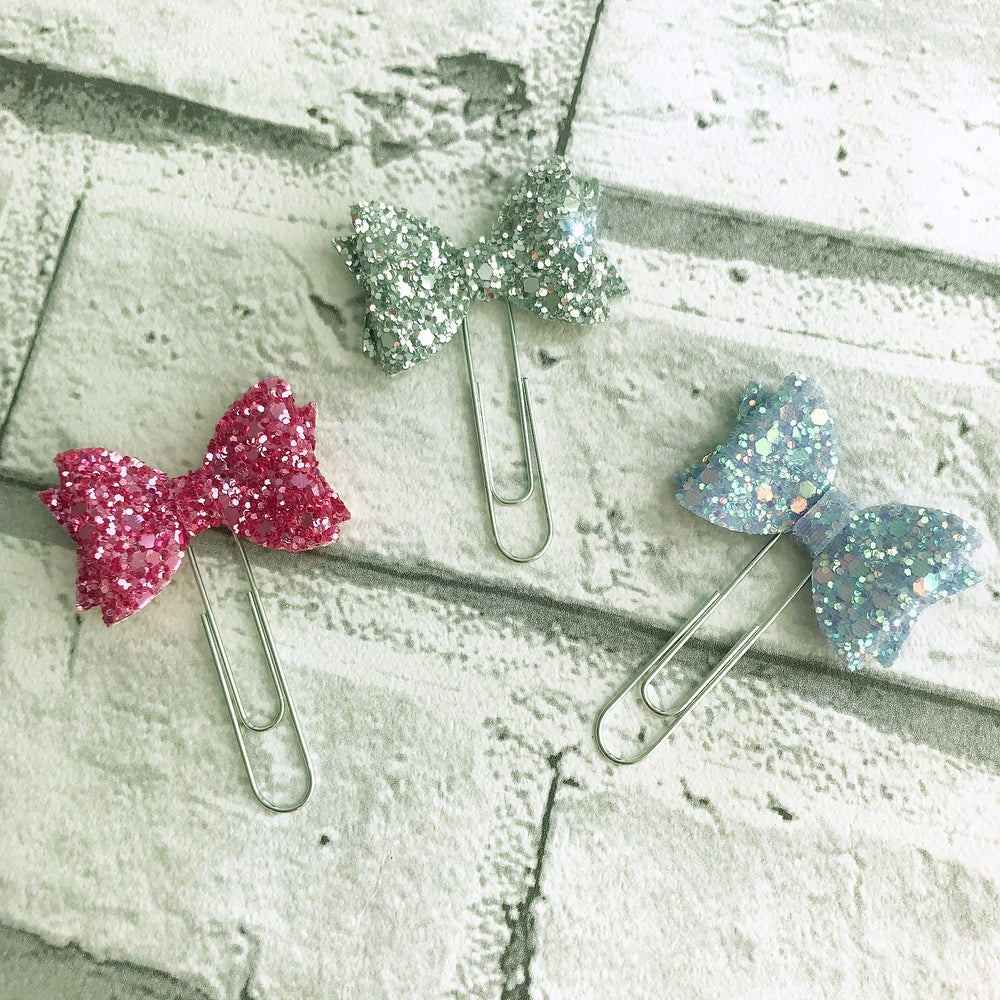 Image of  SPARKLY BOW PLANNER CLIP
