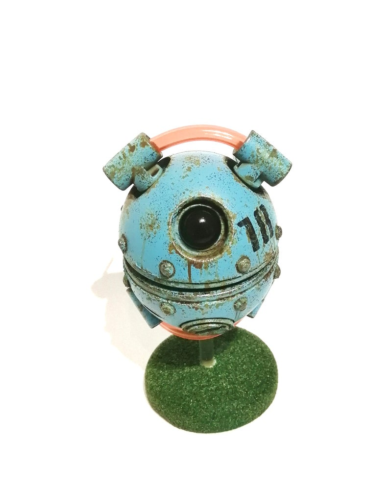 Image of H0-VR Bot - One off piece. Pale blue.
