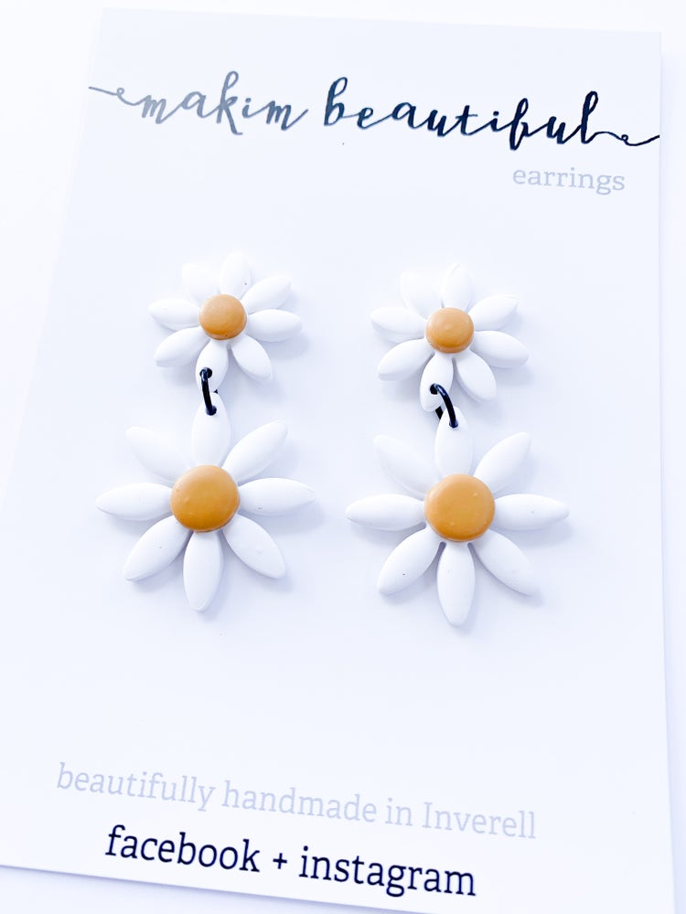 Image of Daisy Duo Dangle