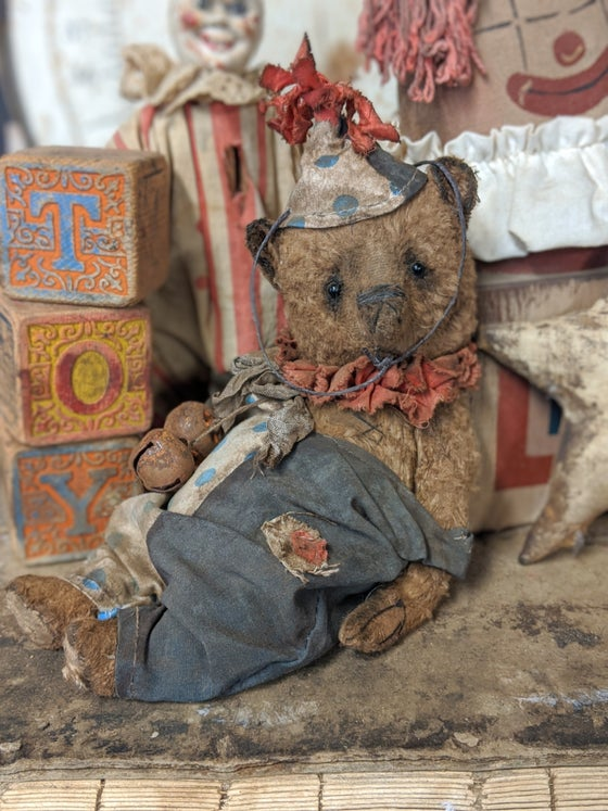 "Image of Cabinet size 8"" antique style vintage carnival Teddy bear by whendis bears"