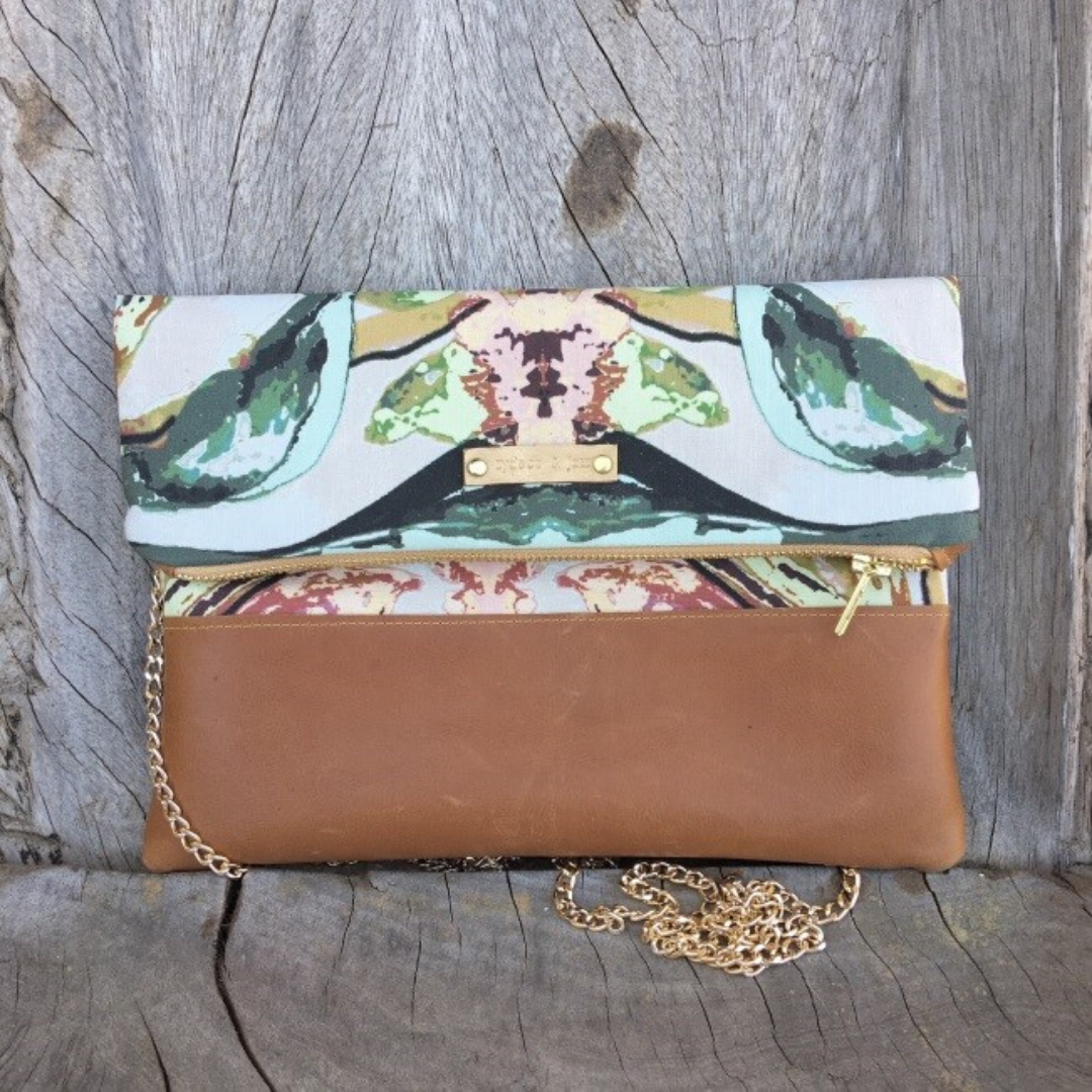 Image of Shelbie Clutch Large