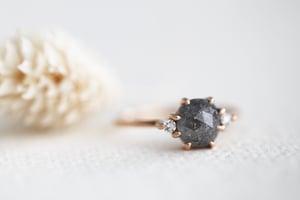 Image of 18ct rose gold, grey rose-cut diamond ring  IOW151