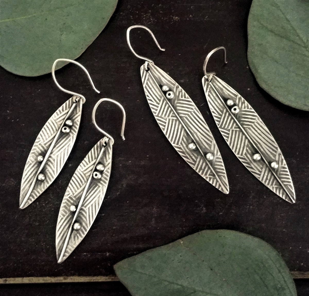 Image of Crosshatch Leaves Earrings