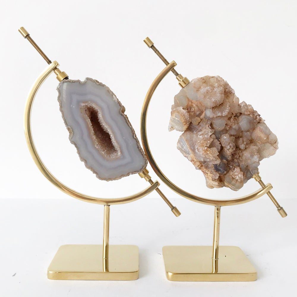 Image of Coral Agate no.70 + Brass Arc Stand