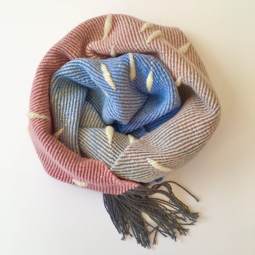 Image of Infinity scarf Puff - Pink to blue