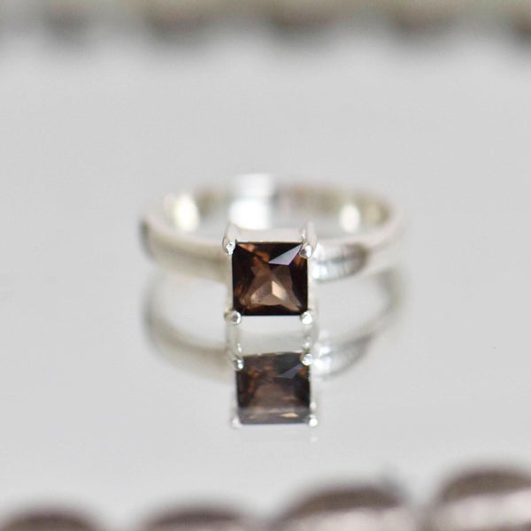 Image of Smokey Quartz square cut 4 claws silver ring