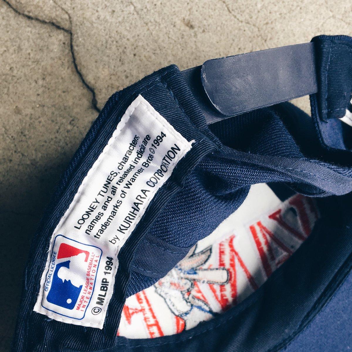 Image of Original 1994 Yankees Bugs Bunny Snapback Hat.