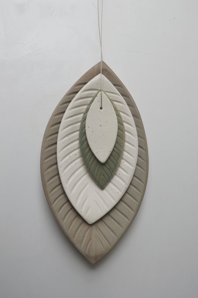 Image of Ceramic Wall Leaf with Ceramic Wall Hook