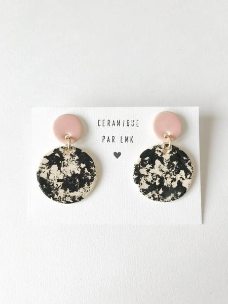 Image of Paire de boucles d'oreilles céramique BOURRACHES rose et marbré
