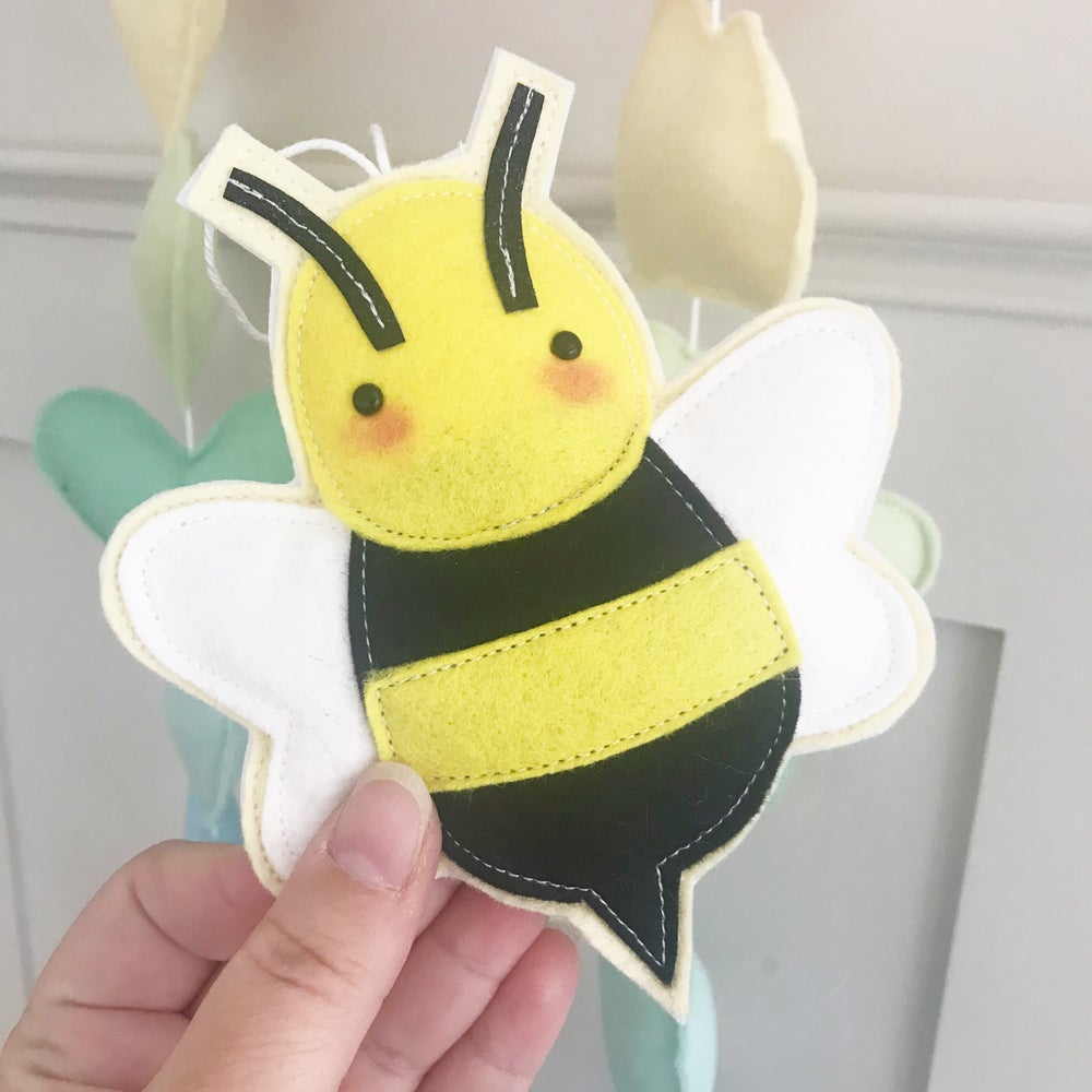 Image of Bee Decoration