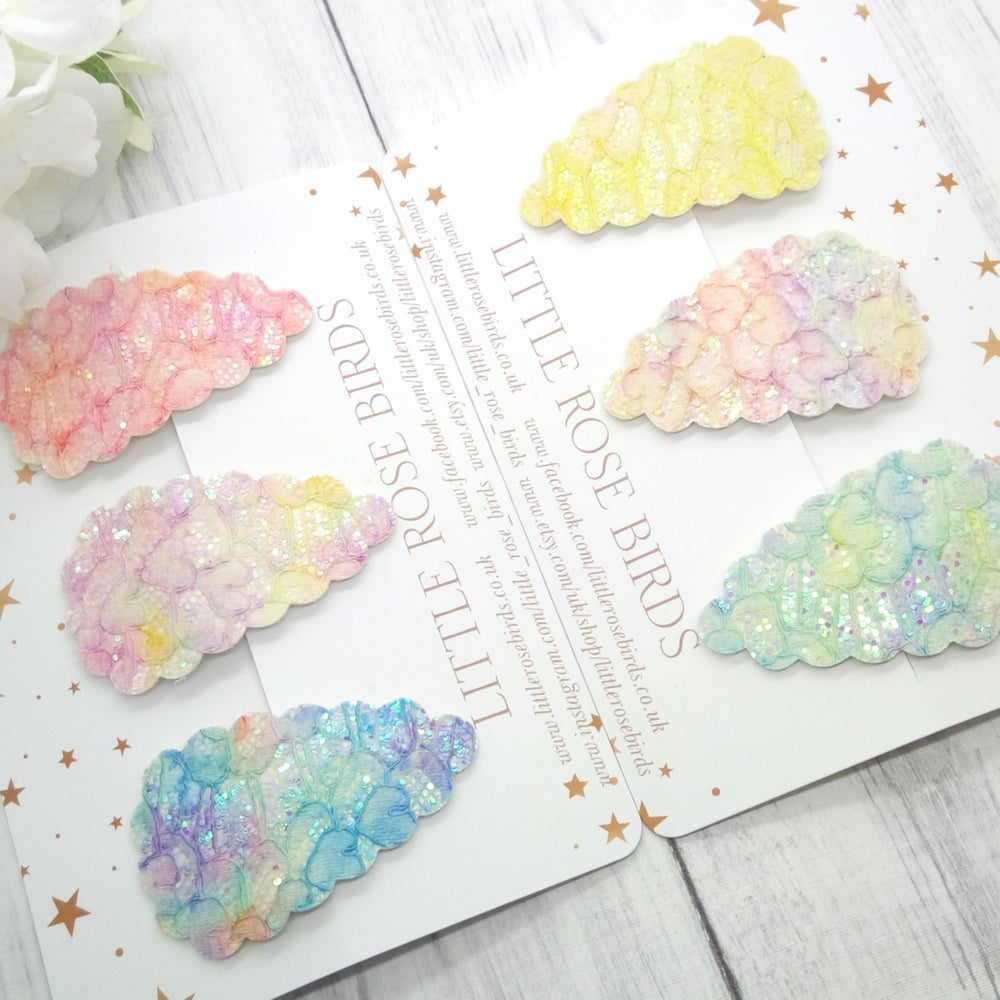 Image of Lace Glitter Scallop Snap Clips