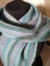 Halsduk i blågråa toner - randig / Scarf in blues and greys - striped
