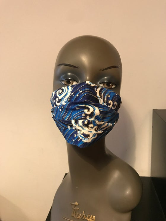 Image of Japanese waves luxury face mask