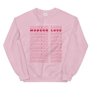 '𝙢𝙤𝙙𝙚𝙧𝙣 𝙡𝙤𝙫𝙚' Unisex Sweatshirt (multiple colors)