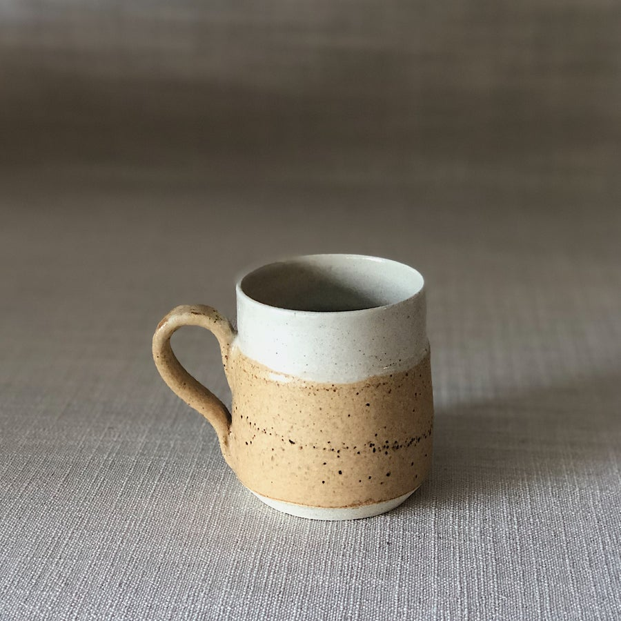 Image of EARTHY ORANGE PYRAMID MUG