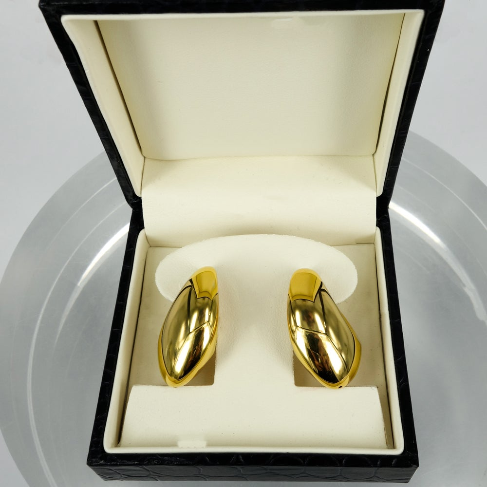 Image of Vintage 18ct yellow gold hoop earrrings