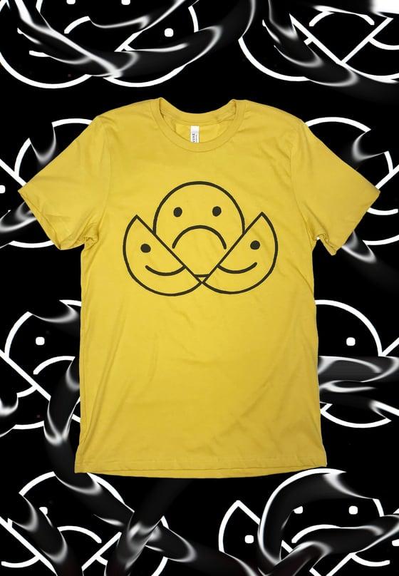 Image of CRACKED SMILEY© ORIGINAL YELLOW T-SHIRT