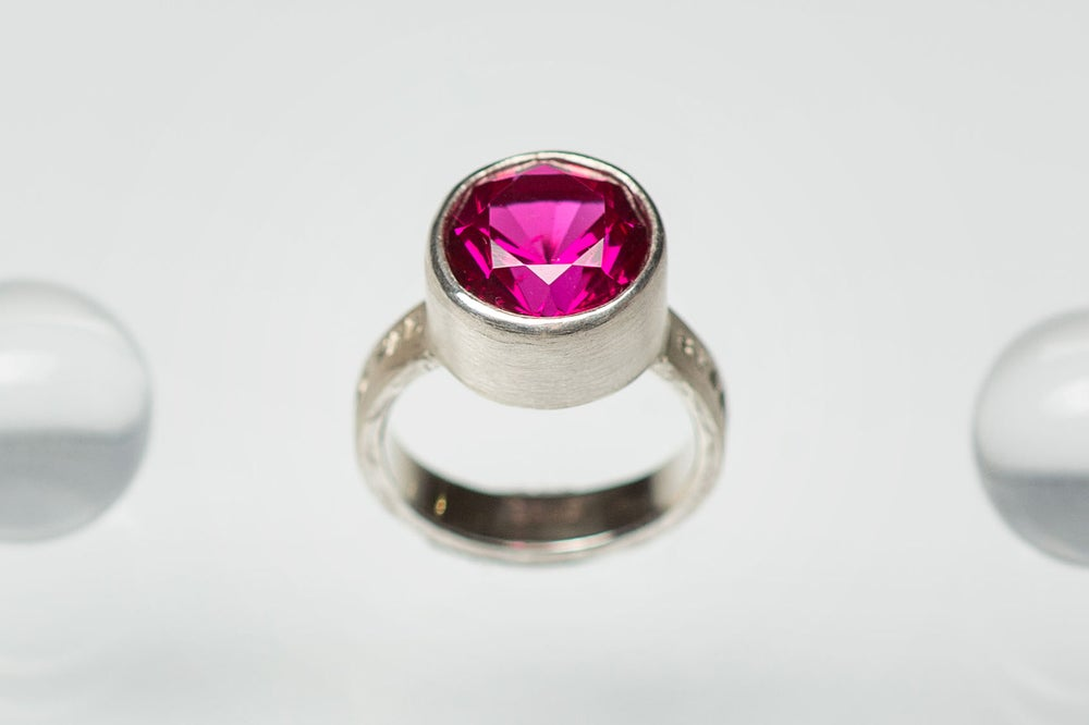 Image of silver ring with corundum APRICUS