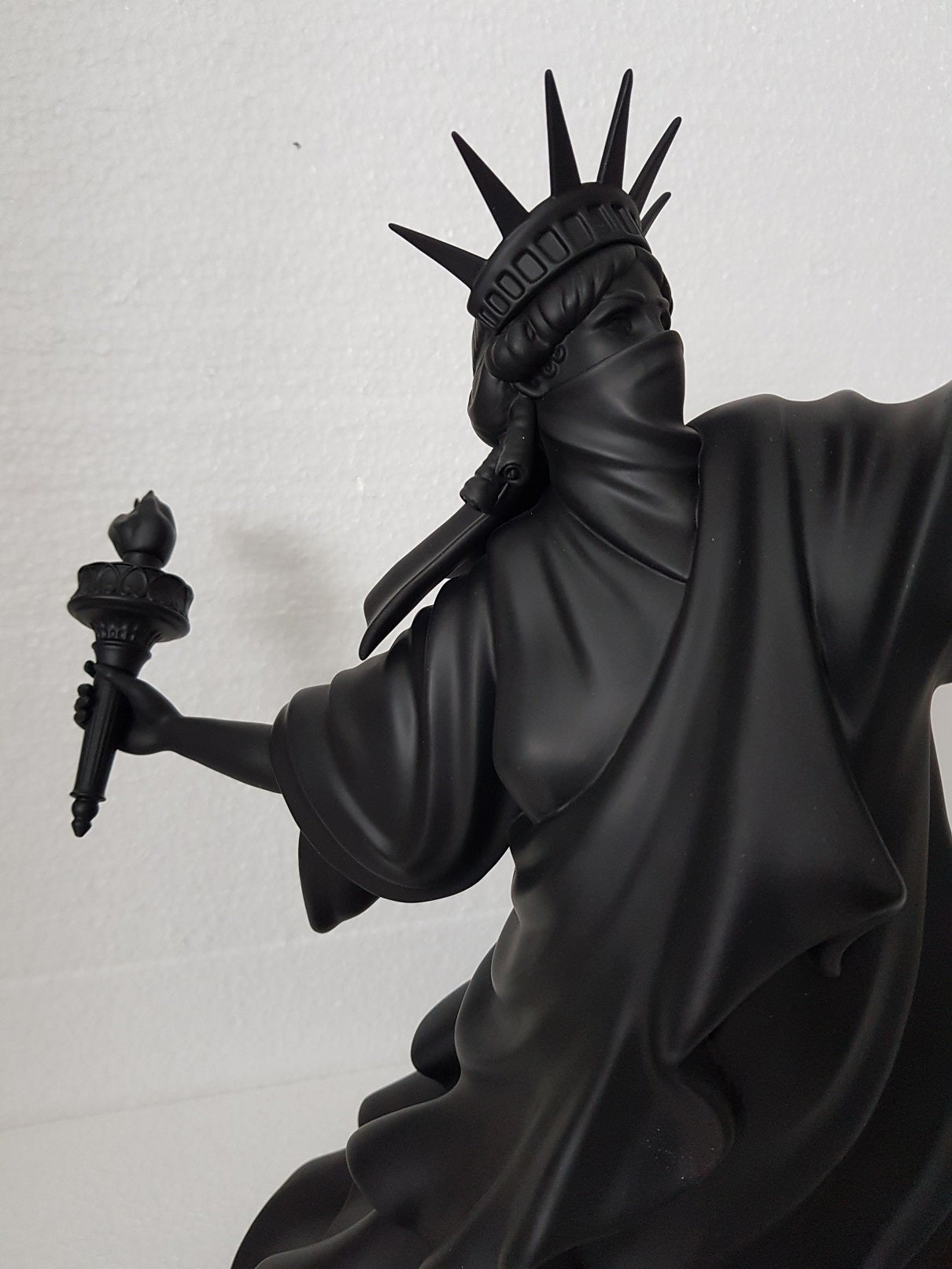 """Image of WHATSHISNAME """"RIOT OF LIBERTY"""" - PORCELAIN SCULPTURE EDITION OF 25"""
