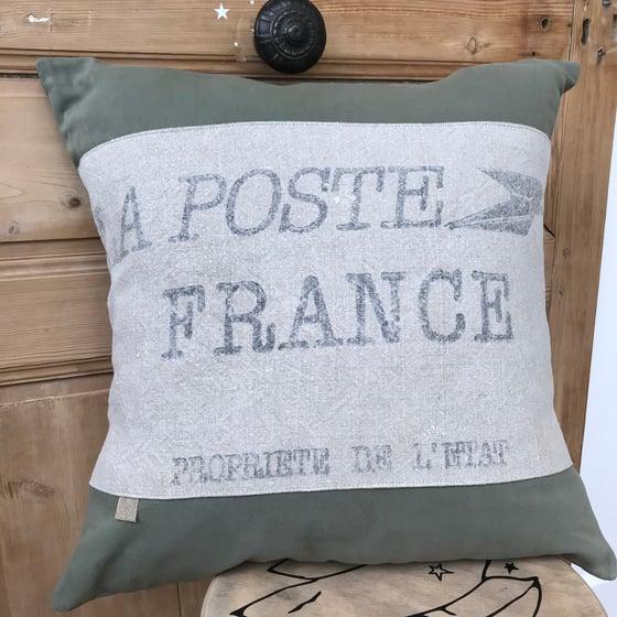 Image of Coussin carré Toile La Poste et coton Vert sauge.