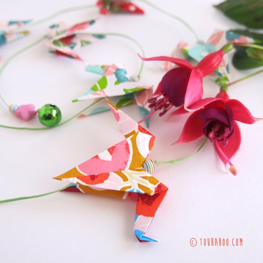 Image of Guirlande grues fleurs