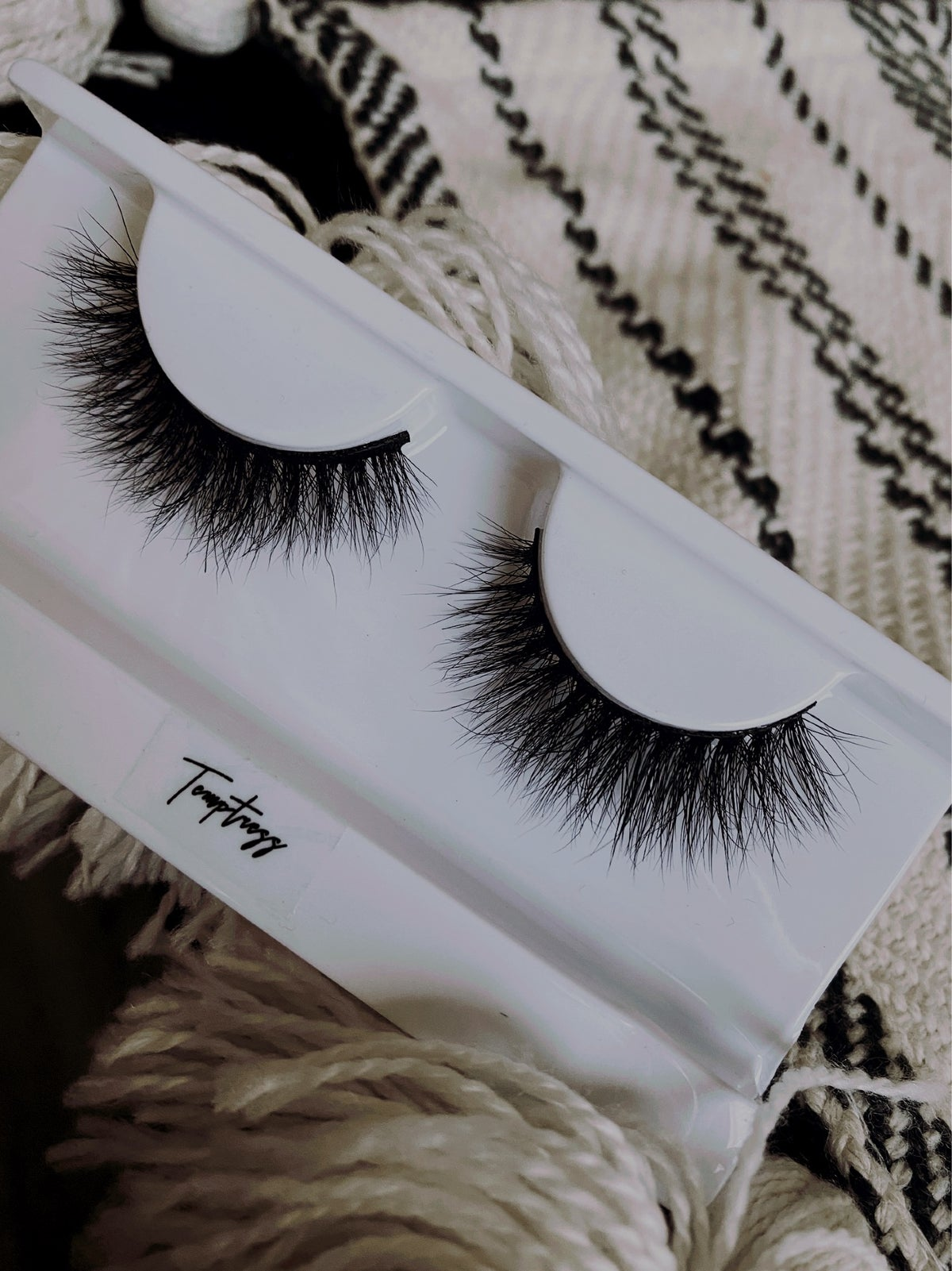 Image of Temptress Lashes