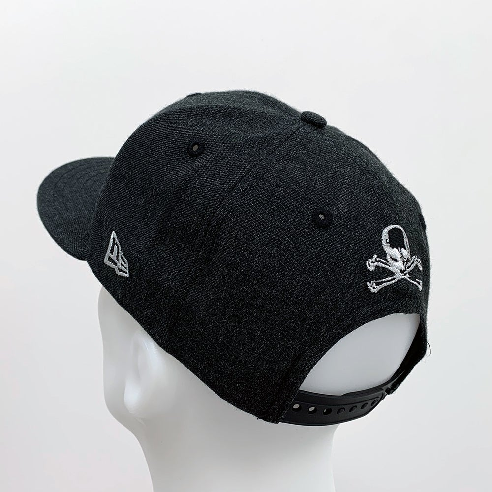 Image of New Era 9Fifty Snap - Heather Black with Pink