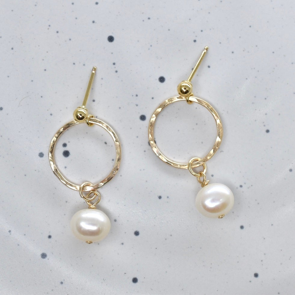 Image of Little Pearly Earrings