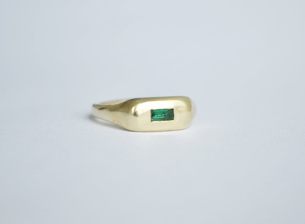 Image of Green Pill ring