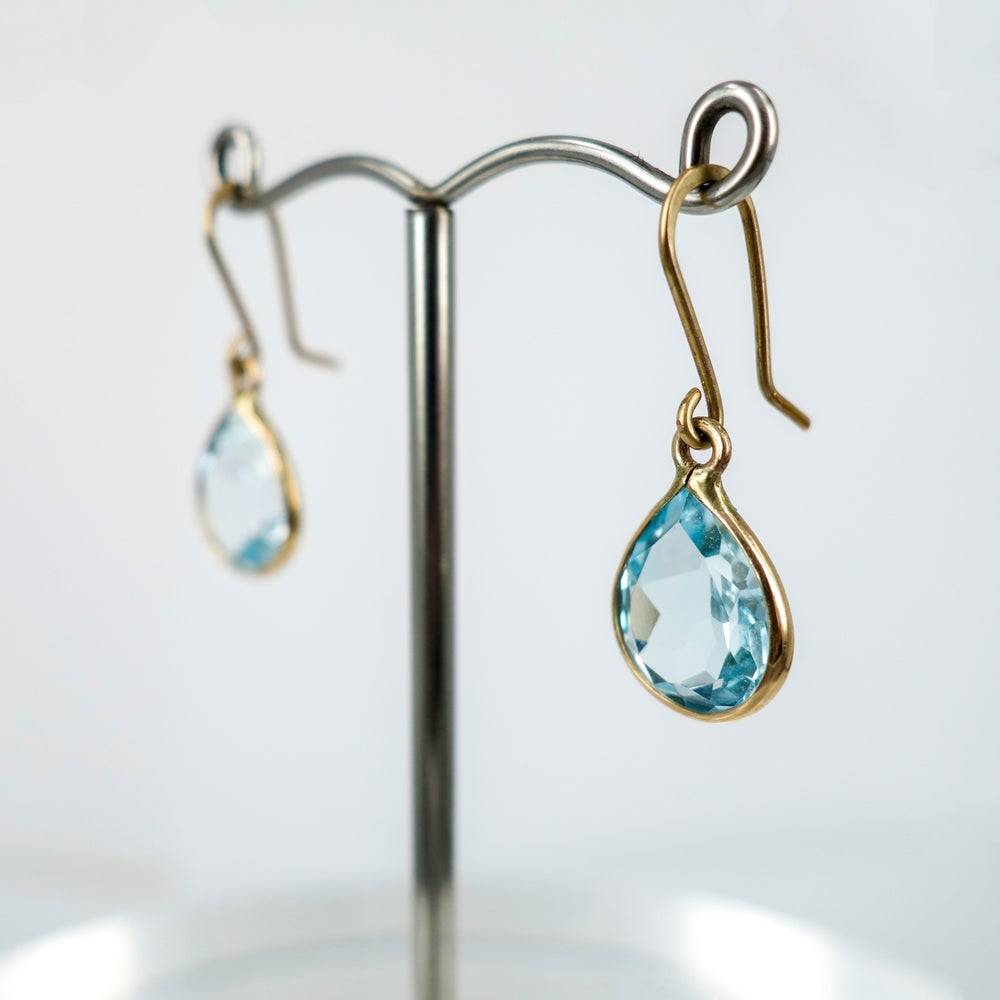 Image of E1794 - 9ct yellow gold pear shaped drops with Aquamarine