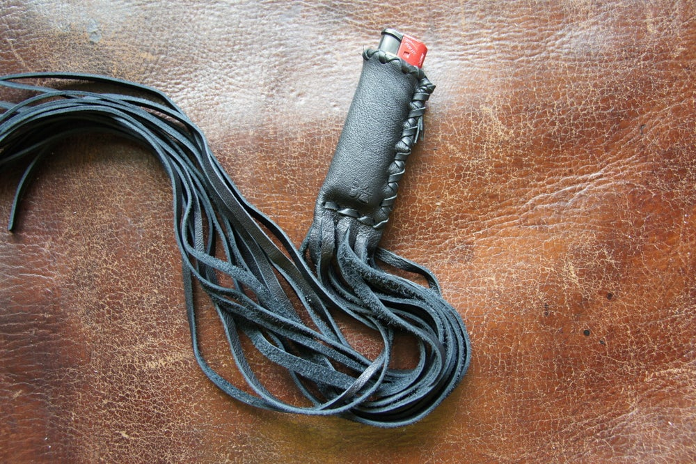 Image of  Atsila Lighter Slip/Whip  <Black>