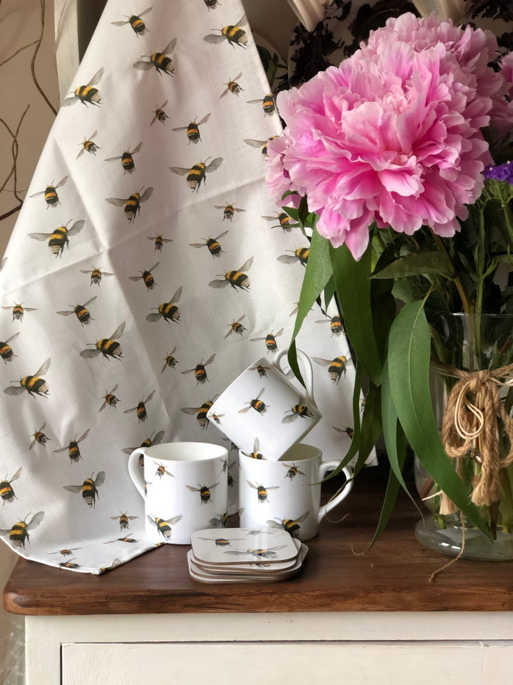 Image of 'Bumble bee' Tea towel